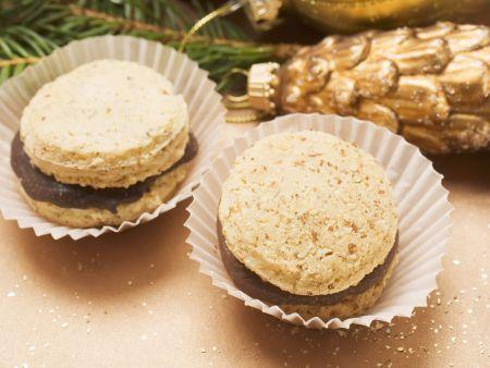 Weihnachtsplätzchen mit Schokoladenfüllung