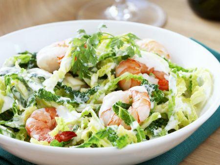 Rezept: Wirsingsalat mit Garnelen
