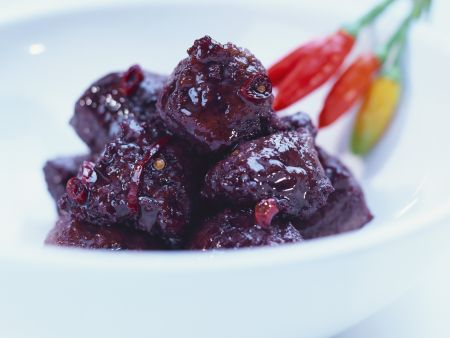 Wurstklößchen in Chili-Rotwein-Soße