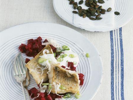 Zander mit Meerrettich und Rote-Bete-Gemüse