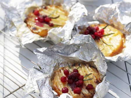 Ziegenkäse mit Cranberries im Ofen gebacken