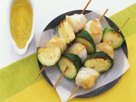 Zucchini-Kabeljau-Spieße mit Mangodip