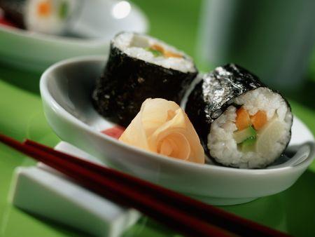 Zucchini-Möhren-Sushi