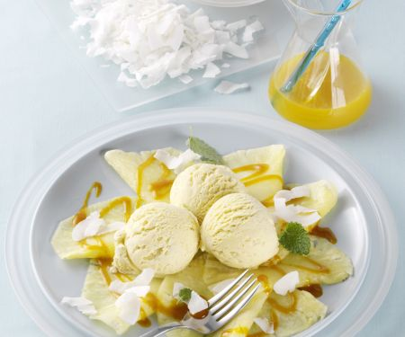 Ananas-Carpaccio mit Sanddornsauce