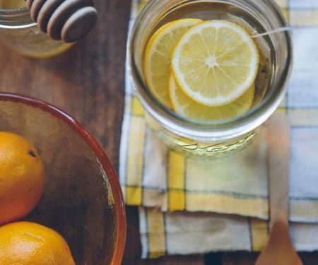Viel trinken unterstützt unser Immunsystem   © Unsplash/Anda Ambrosini