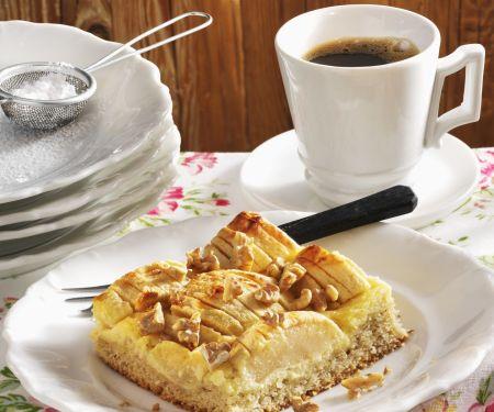 Apfelkuchen mit Marzipan