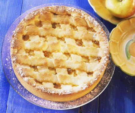 Apfelkuchen mit Teiggitter