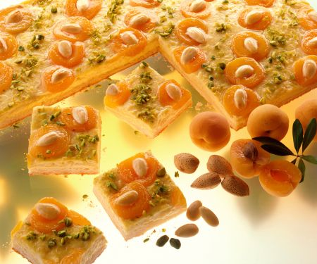 Aprikosen-Mandel-Schnitten