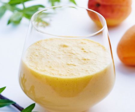 Aprikosen-Soja-Drink