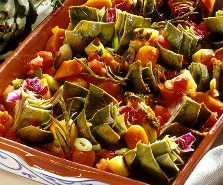 Artischocken-Kartoffel-Gemüse mit Möhren aus dem Ofen