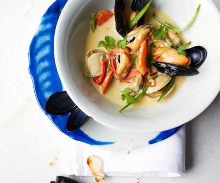 Asiatische Muschelsuppe