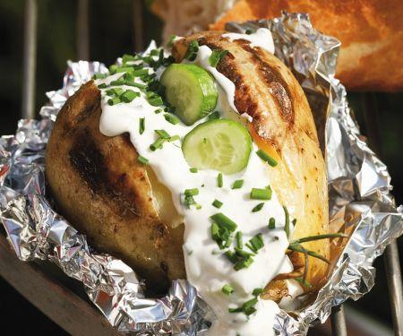 Backkartoffeln mit Schnittlauch und Schmand