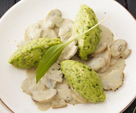 Bärlauch-Mais-Nockerl mit Rahm-Pilzen