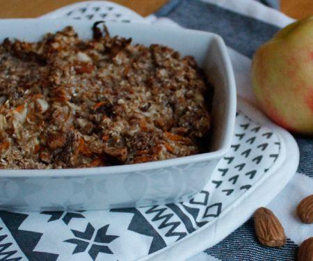 Baked Oatmeal mit Apfel und Möhre