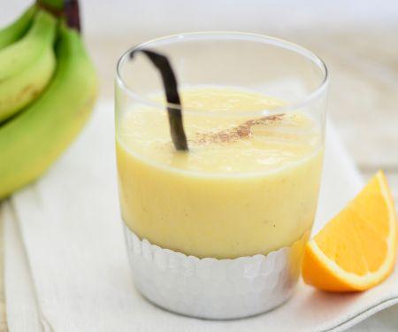 Bananendrink mit Ananas und Vanille