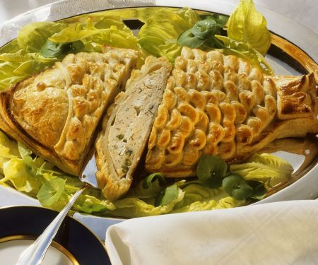 Blätterteig gefüllt mit Fisch und Ei