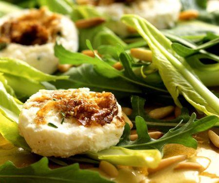 Blattsalat mit Ziegenkäse