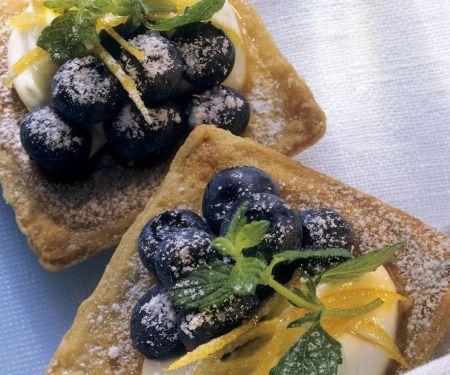 Blaubeer-Blätterteig-Törtchen