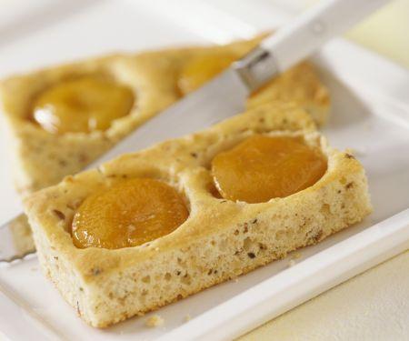 Blechkuchen mit Pfirsichen