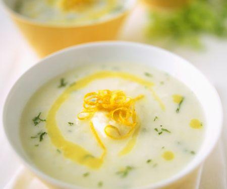 Blumenkohlsuppe mit Orangenzesten