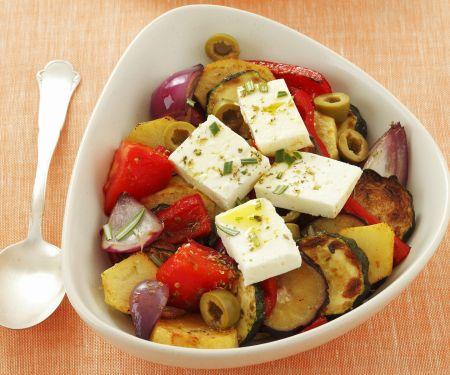 Bratgemüse mit Schafskäse und Oliven