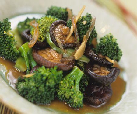 Brokkoli mit Pilzen