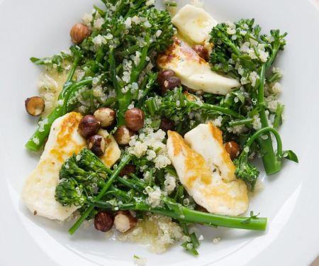 Brokkoli-Quinoasalat mit Halloumi-Käse