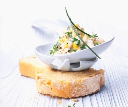 Brotaufstrich mit Eiern und Schnittlauch