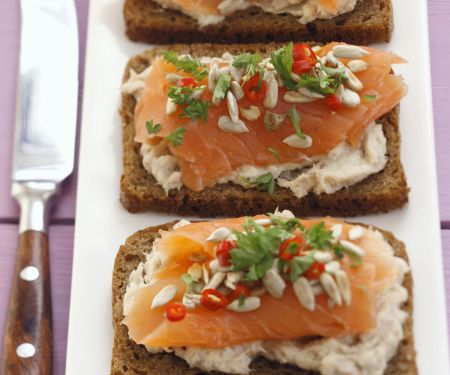 Brote mit geräuchertem Lachs