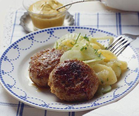 Buletten mit Kartoffelsalat