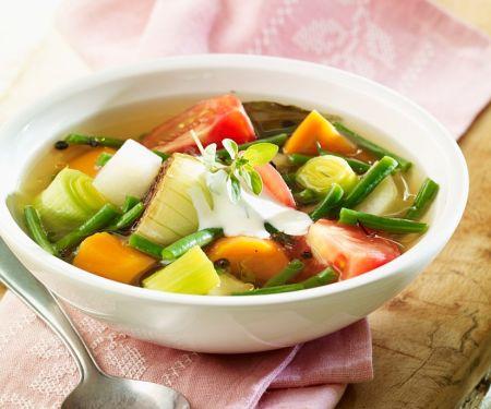 Bunte Gemüsesuppe vegetarisch