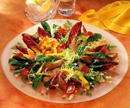 Bunter Salat mit Pute und Mango