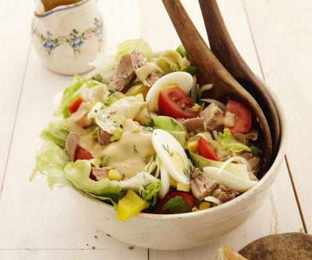 Bunter Salat mit Thunfisch und Eiern