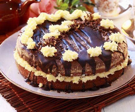 Buttercreme-Schokoladentorte