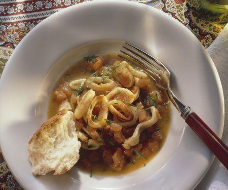 Calamari mit Tomaten geschmort