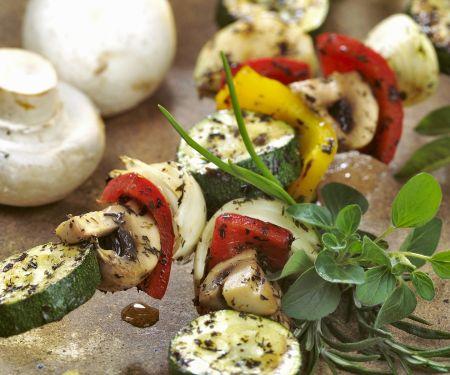 Champignon-Gemüse-Spieße vom Grill