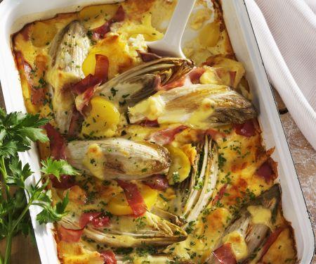 Chicorée-Kartoffel-Gratin mit Schinken