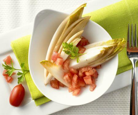 Chicorée mit Tomaten