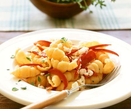 Conchiglie mit Paprika und Käse