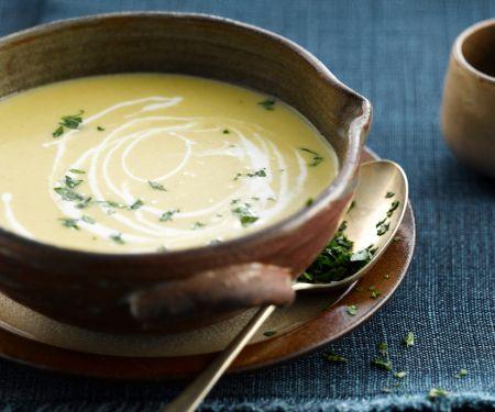 Cremesuppe aus Chicorée und Süßkartoffeln