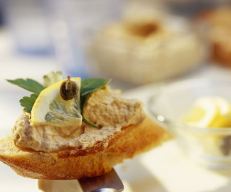 Crostini mit Thunfischcreme