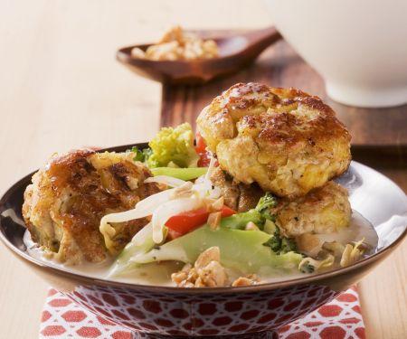 Curry-Frikadellen mit Kokos-Gemüse