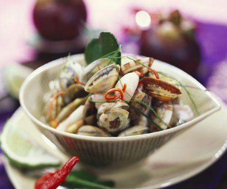 Curry mit Mangostane und Venusmuscheln