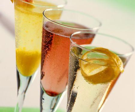 Drei Champagner-Cocktails