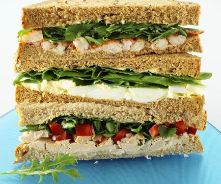 Drei Sandwiches gestapelt