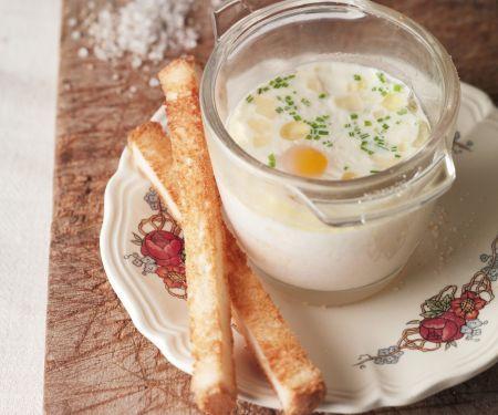 Eier aus dem Ofen nach französischer Art (Oeuf Cocotte)