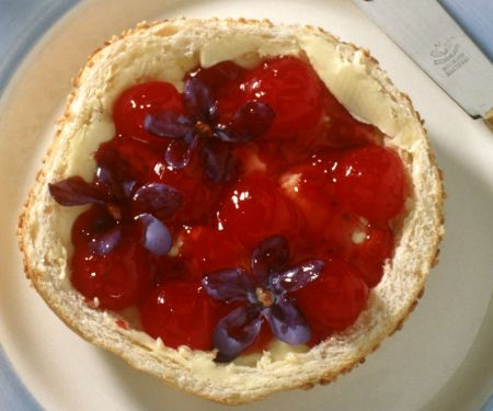 Erdbeermarmelade mit Veilchen