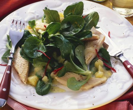 Feldsalat mit Forelle und Kartoffelvinaigrette