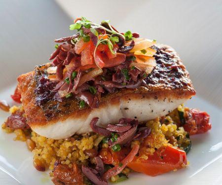 Fisch auf Gemüse-Quinoa