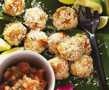 Fischbällchen mit Kokosraspel